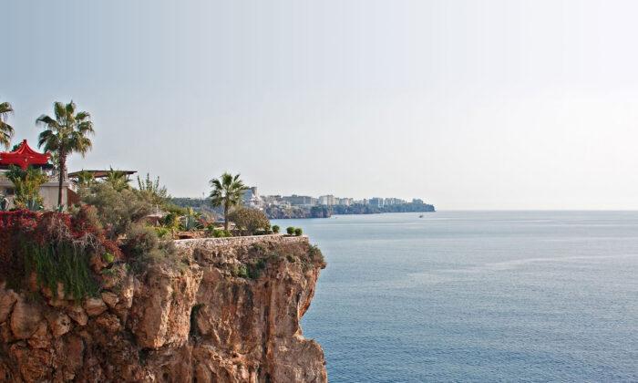 Antalya Tarihi Yerler Mekanlar